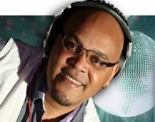 Ouça um set impecável do DJ Akeen